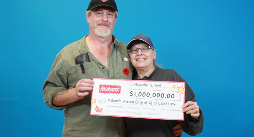 Deborah Warren and Gerald Francis of Elliot Lake with their $1 million check. Supplied photo.